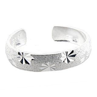 Diamond Cut Finish Silver Toe Ring with Star Features