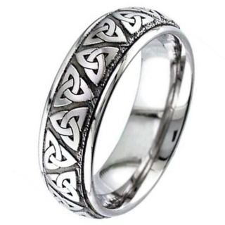 Trinity Knot Titanium Wedding Ring